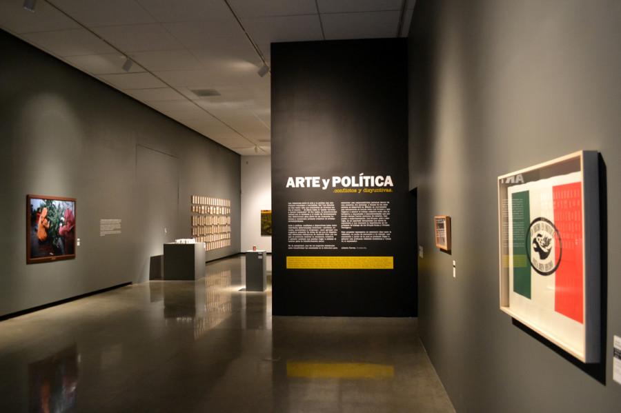 Arte y Politica vista de entrada a exhibicion