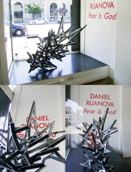 2009, acero galvanizado y esmalte, 131 x 99 x 157 cm